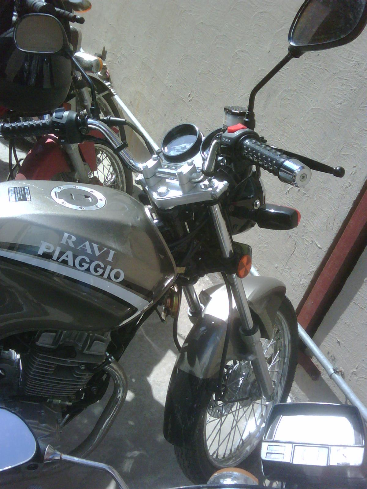 Ravi-Piaggio Storm-125 Euro II bike - ravi Piaggio 2011 384418