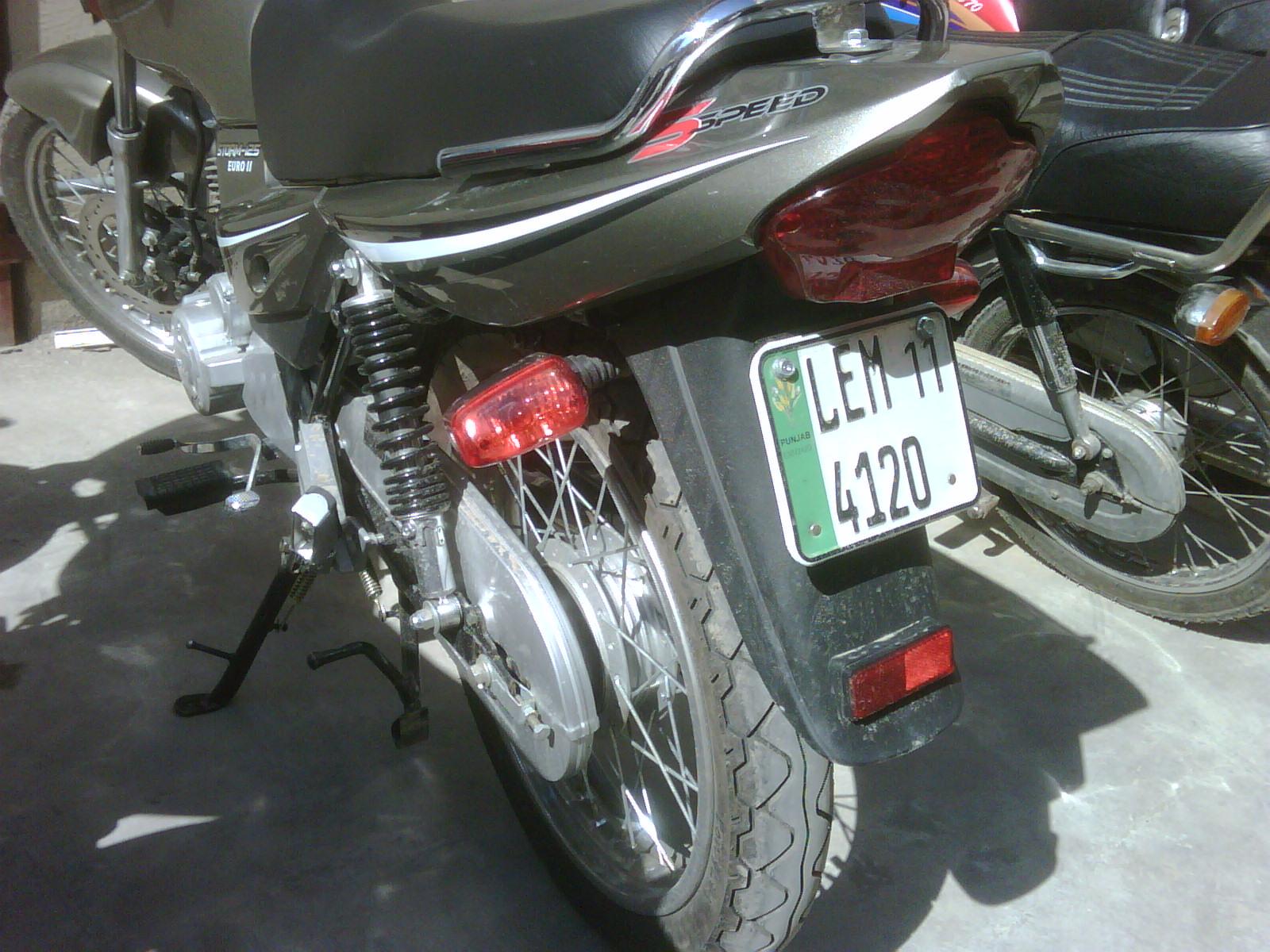 Ravi-Piaggio Storm-125 Euro II bike - ravi Piaggio 2011 384421