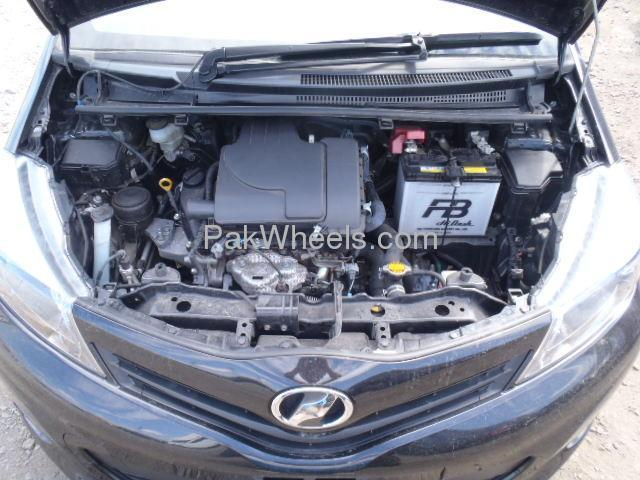 Used Toyota Vitz 2012 Car for sale in Peshawar - 503882 - 1616603