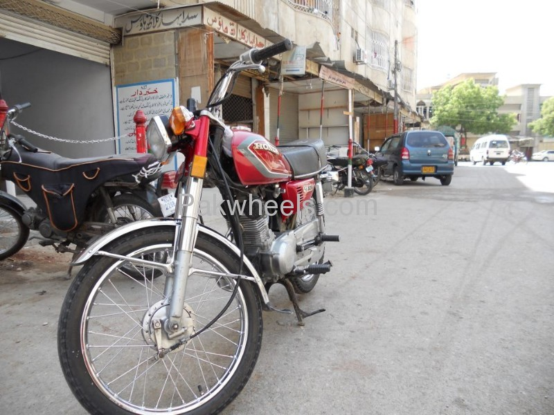 271185 Honda Deluxe 2016 New Model 4 moreover Honda Cg 125 Motorcycle Price In Pakistan Honda Cg125 Black Motorcycle also 289857 as well 213734 Some Updates Atlas Honda 50 further Honda Cg 125 1986 For Sale In Karachi 103293. on atlas honda cg 125 model 2009