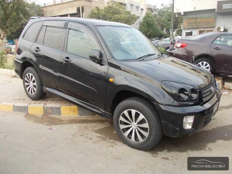 used toyota rav4 2 4l automatic 2002 car for sale in karachi 752237 pakwheels. Black Bedroom Furniture Sets. Home Design Ideas