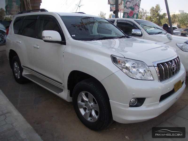used toyota prado tx 2011 car for sale in karachi 806244 pakwheels. Black Bedroom Furniture Sets. Home Design Ideas