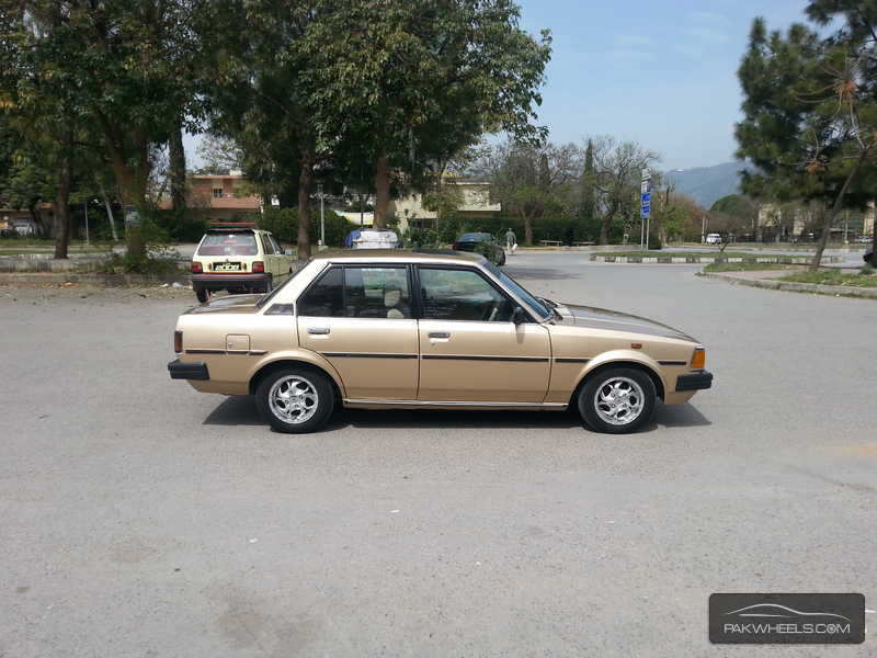 toyota corolla 1982 for sale in islamabad. Black Bedroom Furniture Sets. Home Design Ideas