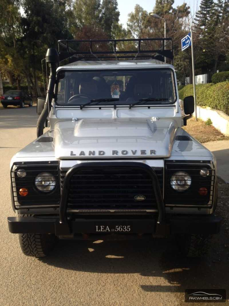 used land rover defender 2013 car for sale in islamabad 836031 pakwheels. Black Bedroom Furniture Sets. Home Design Ideas