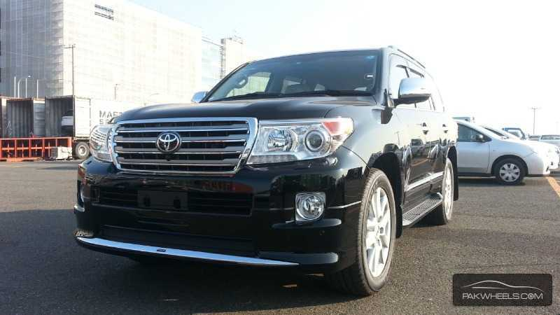 used toyota land cruiser zx 2014 car for sale in lahore 844647 pakwheels. Black Bedroom Furniture Sets. Home Design Ideas
