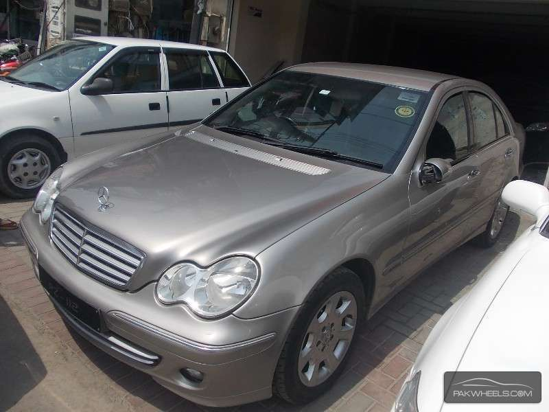 used mercedes benz c class c200 2004 car for sale in lahore 861997 pakwheels. Black Bedroom Furniture Sets. Home Design Ideas