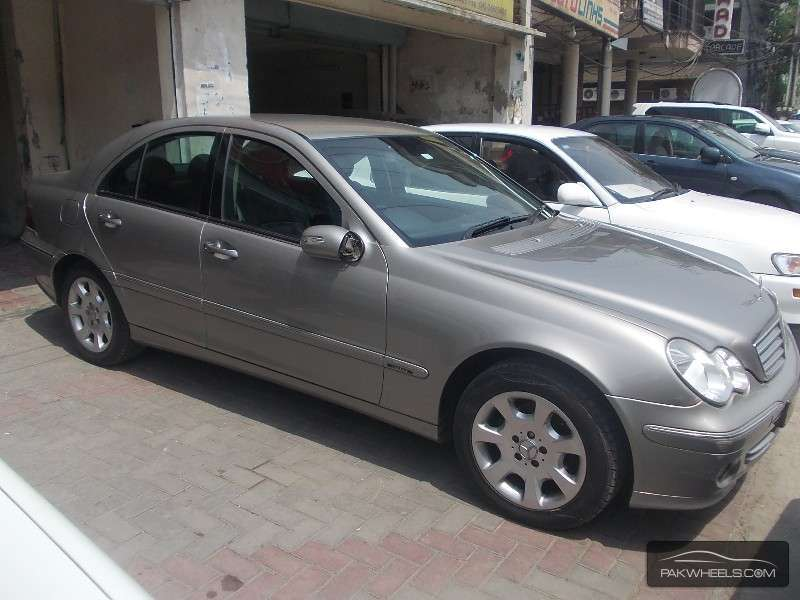 Used mercedes benz c class c200 2004 car for sale in for Used mercedes benz rims for sale