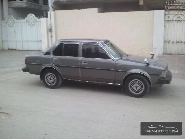 used toyota corolla gl saloon 1983 car for sale in karachi 862490 pakwheels. Black Bedroom Furniture Sets. Home Design Ideas