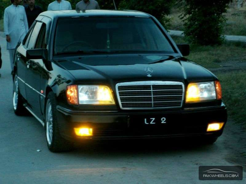 Mercedes benz e class cars for sale in islamabad for Used mercedes benz e class for sale