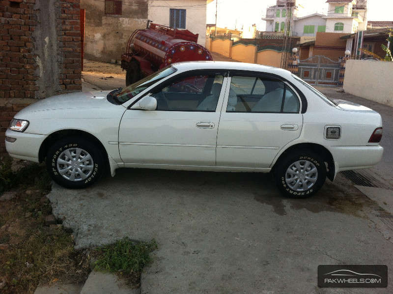 used toyota corolla 2 0d limited 2000 car for sale in mirpur 872629 pakwheels. Black Bedroom Furniture Sets. Home Design Ideas