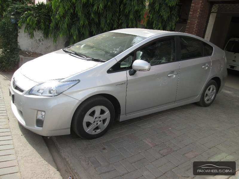 used toyota prius 2010 car for sale in lahore 874364 pakwheels. Black Bedroom Furniture Sets. Home Design Ideas