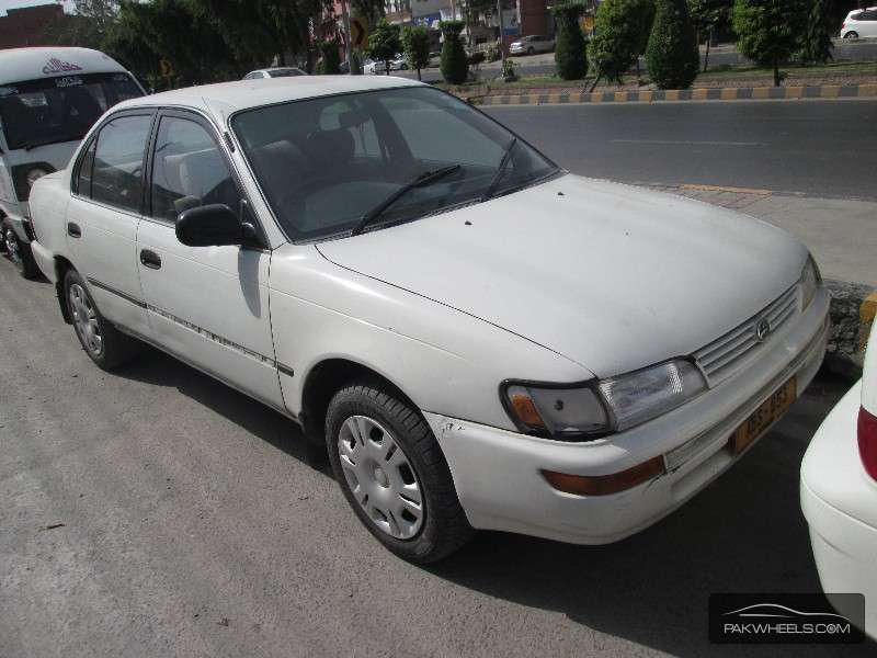 used toyota corolla 1998 car for sale in lahore 876298 pakwheels. Black Bedroom Furniture Sets. Home Design Ideas