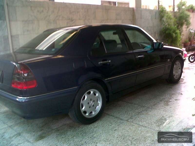 Mercedes benz c class cars for sale in islamabad for Mercedes benz c250 used