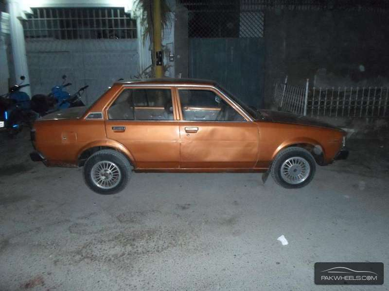 used toyota corolla 1980 car for sale in karachi 896716 pakwheels. Black Bedroom Furniture Sets. Home Design Ideas