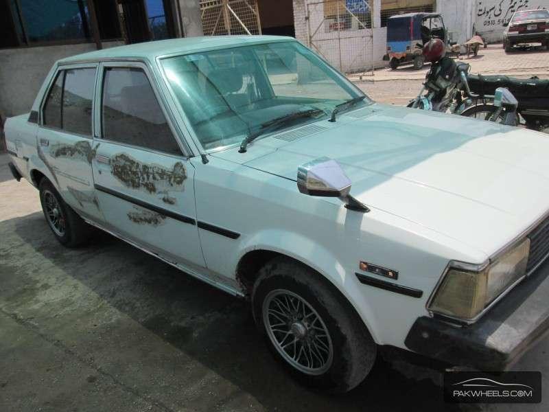 used toyota corolla 1982 car for sale in peshawar 897590 pakwheels. Black Bedroom Furniture Sets. Home Design Ideas