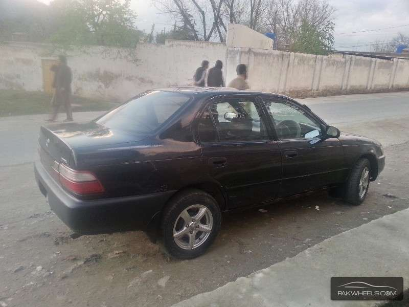 used toyota corolla xe 2000 car for sale in peshawar 901261 pakwheels. Black Bedroom Furniture Sets. Home Design Ideas