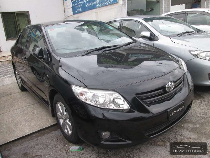 used toyota corolla altis 1 8 2009 car for sale in lahore 936910 pakwheels. Black Bedroom Furniture Sets. Home Design Ideas