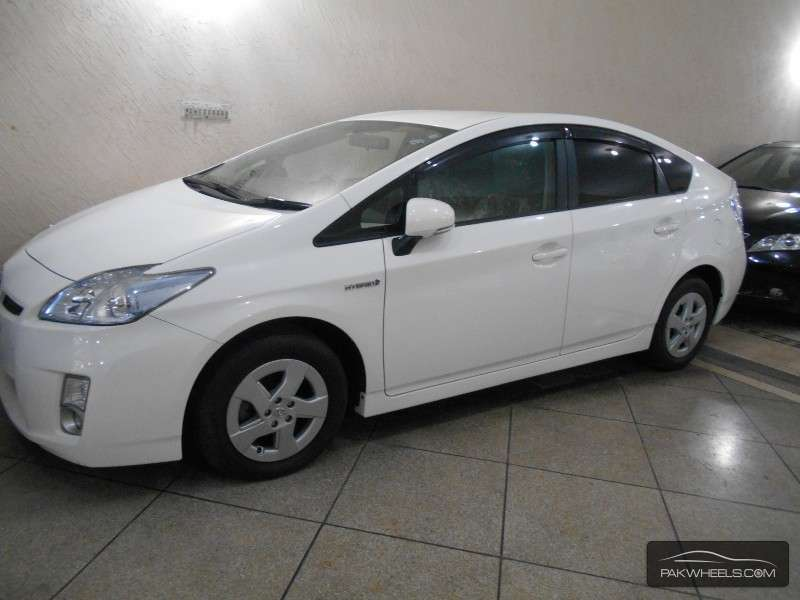 used toyota prius 2011 car for sale in lahore 1001550 pakwheels