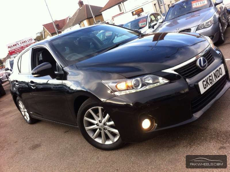 used lexus ct 200h 2011 car for sale in karachi 1004195