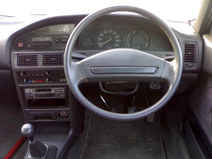 1990 toyota corolla interior