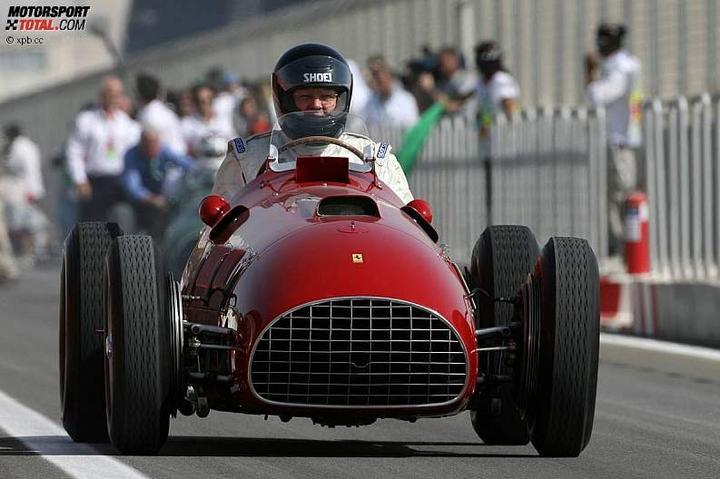-Formula 1  - Season 2010 - - 48130attach