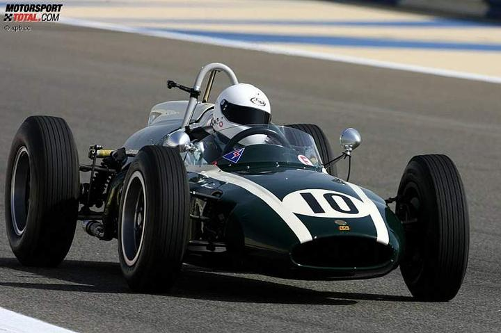 -Formula 1  - Season 2010 - - 48133attach