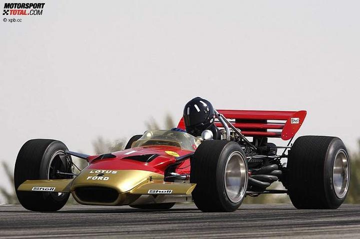 -Formula 1  - Season 2010 - - 48138attach