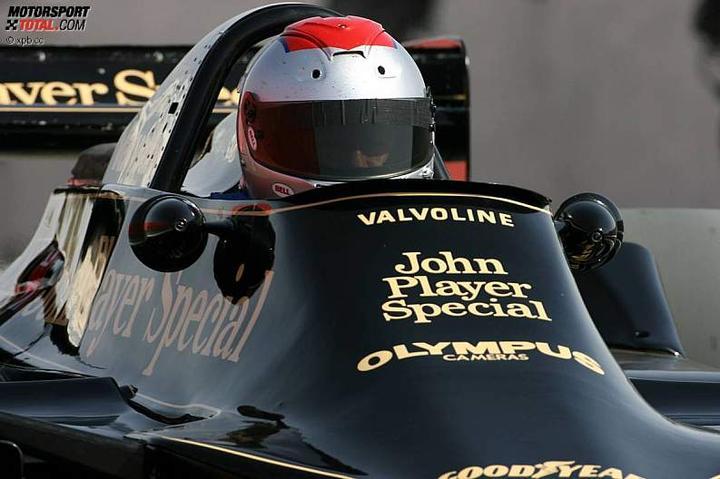 -Formula 1  - Season 2010 - - 48143attach