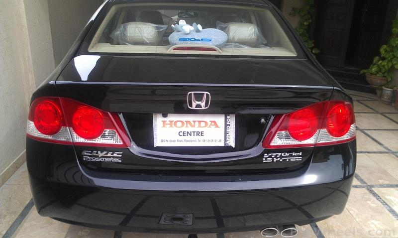 Http://assets.pakwheels.com/forums/2010/attachments/Body   Lights    Appearance Parts/387191 FS  Honda Civic Oem Tail Lights  For Sale IMAG0240