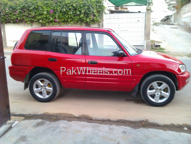 Toyota RAV4 1996 of omarmansoor - 67508